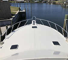Wide bow Viking 47 Convertible